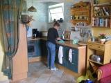 Das Ferienhaus - Die Küche, klein aber ausreichend