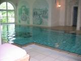 Der Pool im Nebengebäude...